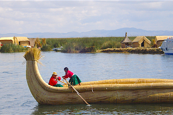 uros floating islands tour
